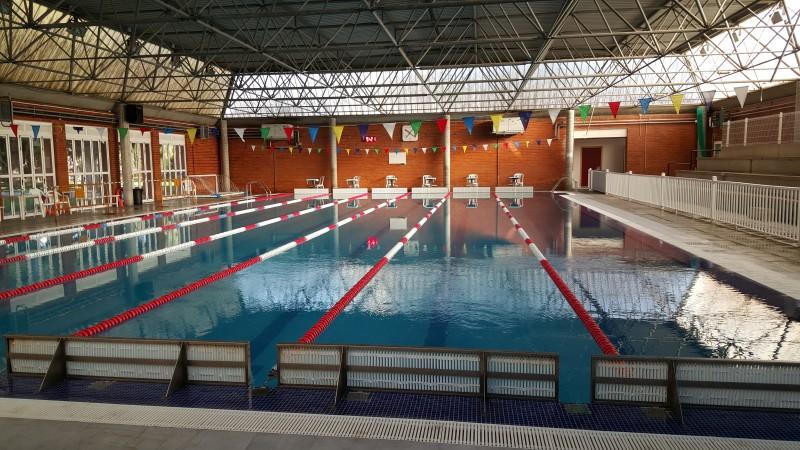 La piscina municipal de san vicente adelanta su apertura for Piscina municipal alicante